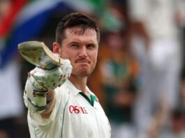 Smith goes in to bat for Proteas players, while CSA interim board stays on